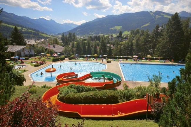 Schwimmen im Sommerurlaub in Radstadt, Salzburger Land