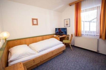 Einzelzimmer – Urlaub am Bauernhof in Radstadt - Ferienhof Kasparbauer
