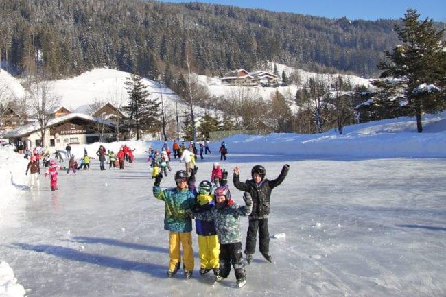 Eislaufen im Winterurlaub in Radstadt, Salzburger Land